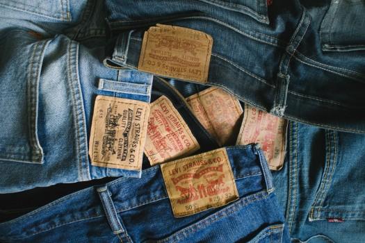 Полезно знать 10 самых популярных и любимых брендов одежды из США изображение